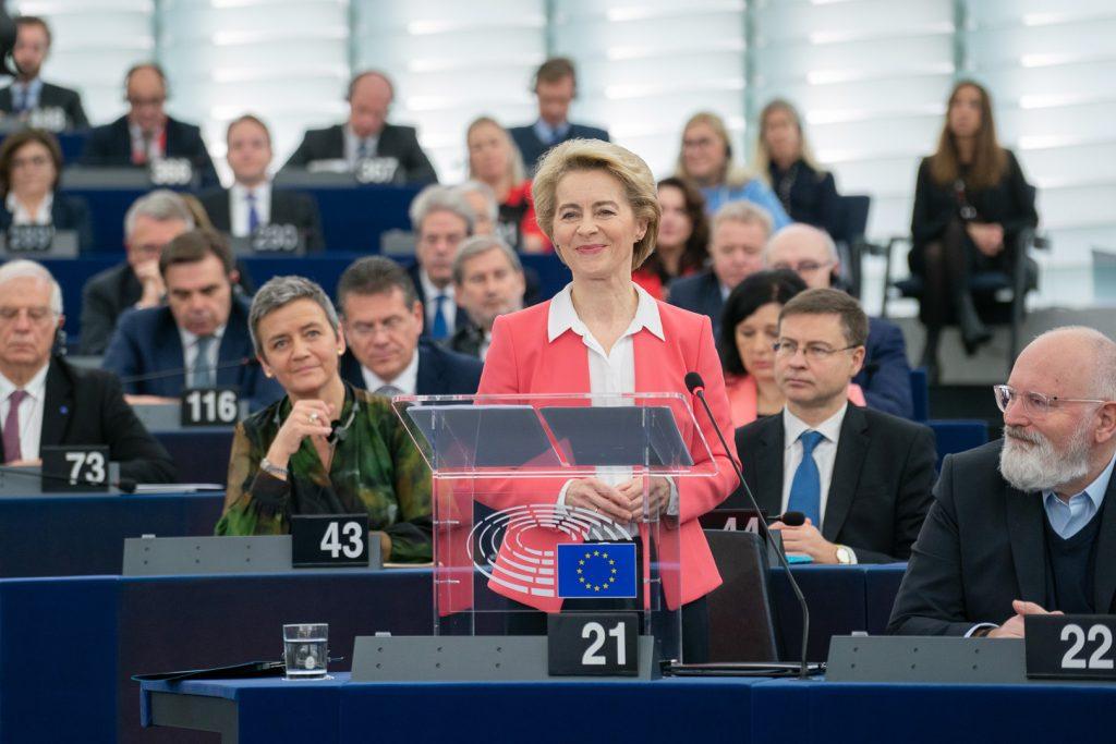 2019 m. liepos 16 d. Europos Parlamentas patvirtino Ursulą von der Leyen būsimos Europos Komisijos Pirmininke. Ji – pirmoji moteris, išrinkta eiti šias pareigas.